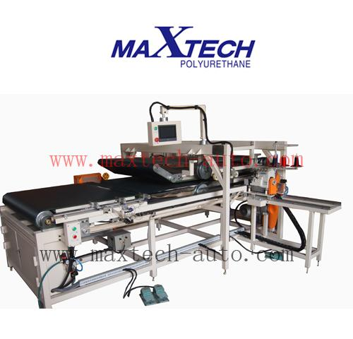 MAX-PCM Pillow Cases Close Machine